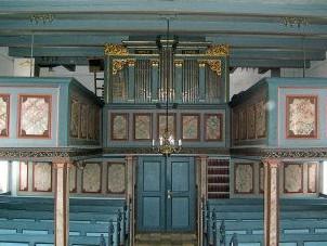Kirken er bygget for ca. 275 år siden.